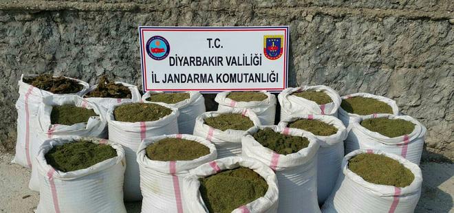 Diyarbakır'da PKK sığınakları ve uyuşturucular ele geçti!