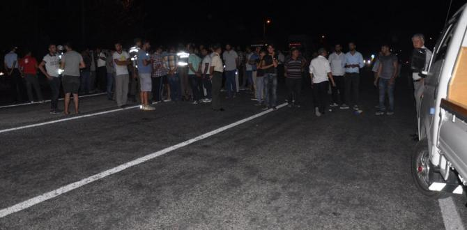 Aydın-İzmir Kara Yolunu 2 saat trafiğe kapattılar