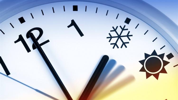 Sürekli yaz saati uygulaması 2018 de sona eriyor