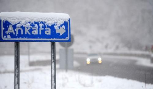 Ve Ankara'ya mevsimin ilk karı yağdı!