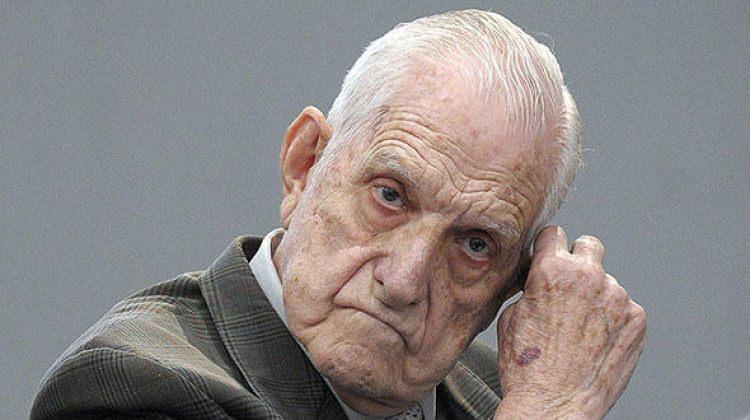 Arjantin'in son diktatörü öldü