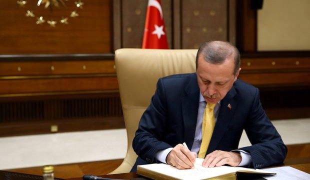 Erdoğan Akev Üniversitesi Rektörü'nü görevden aldı