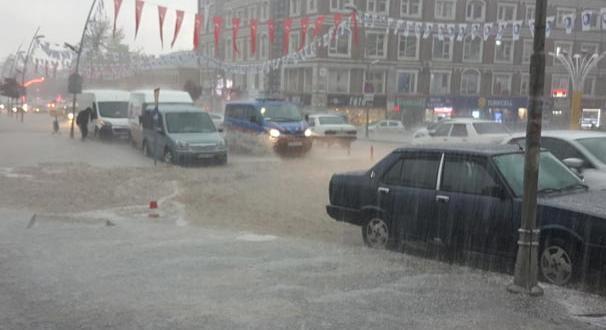Erzurum'u sel vurdu!