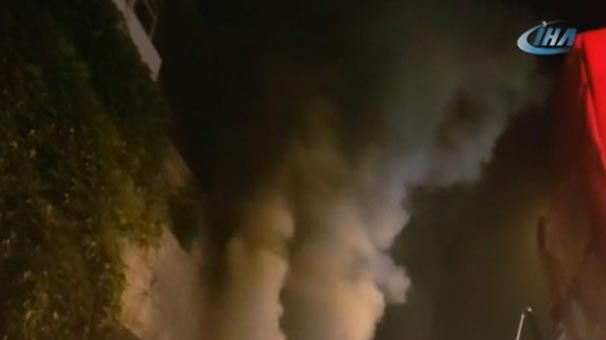 Fabrika yangını paniğe yol açtı