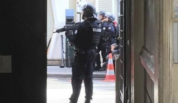 Paris'te rehine operasyonu! Saldırgan yakalandı