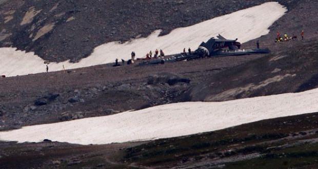 İsviçre'de uçak düştü: Çok sayıda ölü var…