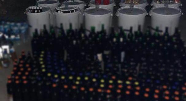 422 şişe sahte içki ele geçirildi