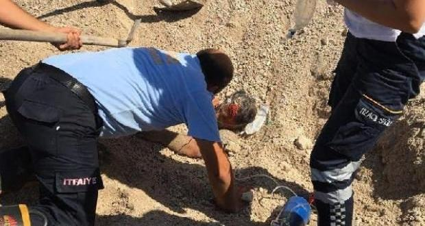 Kum yığını altında kalan işçi kurtarıldı